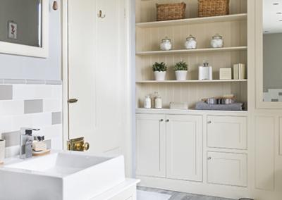 Painted Shaker Bathroom Vanity Unit Dresser